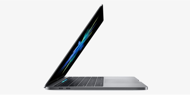 """Người dùng """"kêu trời"""" vì thời lượng pin của MacBook Pro mới - 1"""