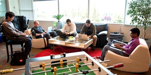 Bên trong một phòng làm việc tại trụ sở của Google