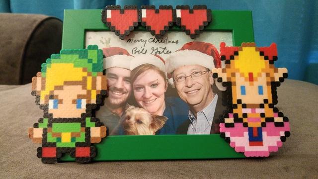 """Một fan nữ """"vỡ òa"""" khi nhận được hàng loạt quà Giáng sinh từ Bill Gates - 1"""