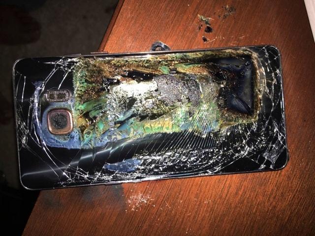 Nhiều báo cáo ghi nhận Galaxy Note7 phát nổ trong quá trình sử dụng