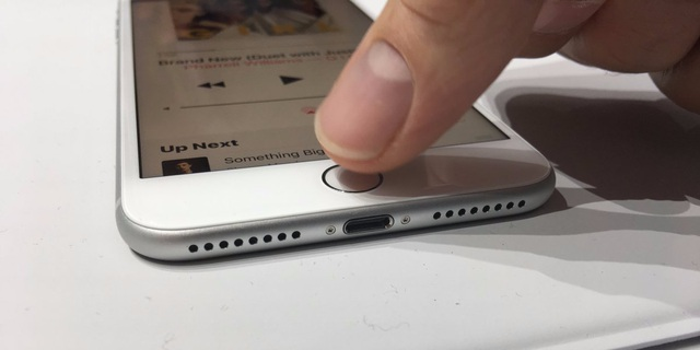 Apple dùng đến từ can đảm khi đề cập đến quyết định loại bỏ jack cắm tai nghe trên mẫu iPhone mới nhất của họ