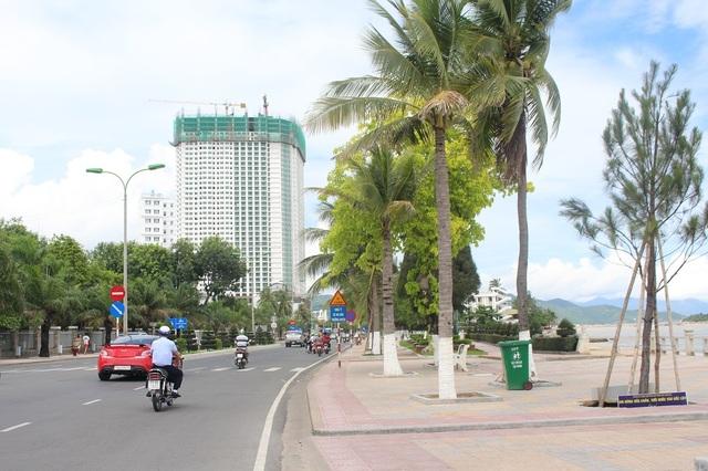 """Dự án Mường Thanh Khánh Hòa (phía Nam Cầu Trần Phú, TP Nha Trang) xây """"vượt rào"""" quy hoạch của Chính phủ 43 tầng"""