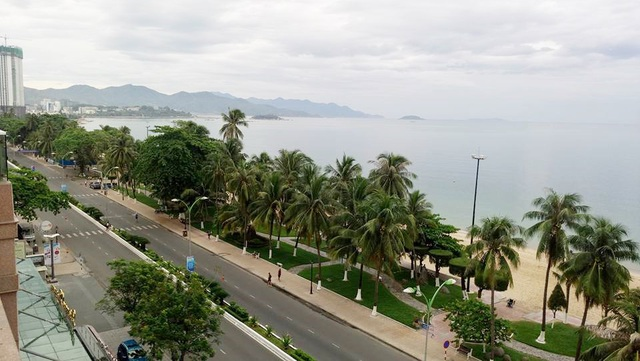 """Vịnh Nha Trang - một trong 29 Vịnh đẹp thế giới đang chịu """"áp lực"""" từ nước sông bị """"đầu độc"""" hàng ngày"""