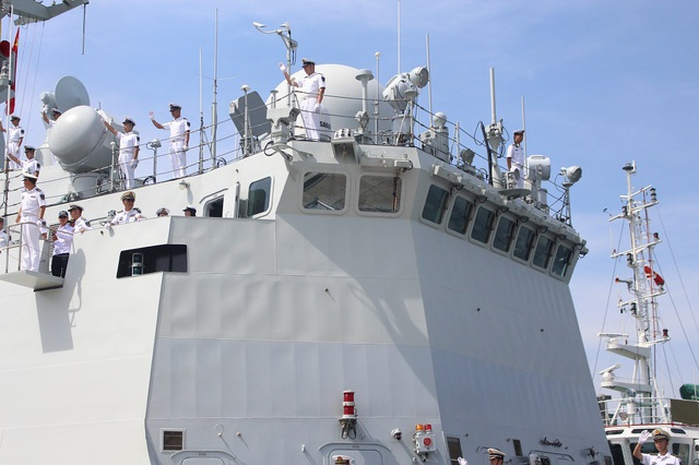 3 tàu Hải quân Trung Quốc thăm Cảng quốc tế Cam Ranh - 6