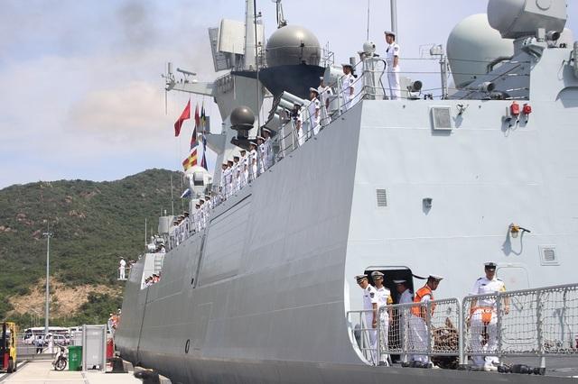 3 tàu Hải quân Trung Quốc thăm Cảng quốc tế Cam Ranh - 9