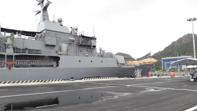 Chiến hạm HMAS WARRAMUNGA cập cảng Quốc tế Cam Ranh, sáng 2/11