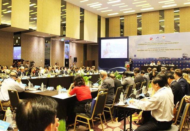 """Hội thảo khoa học quốc tế về Biển Đông lần thứ VIII, với chủ đề: """"Hợp tác vì an ninh và phát triển khu vực"""", tại TP Nha Trang"""