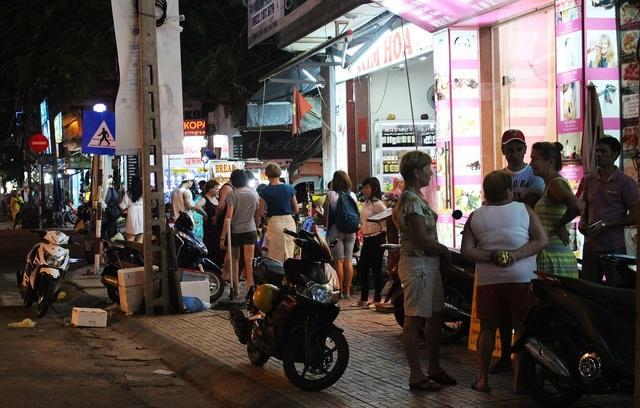 Thời điểm này, mỗi ngày có cả ngàn du khách Nga đang lưu trú ở Nha Trang