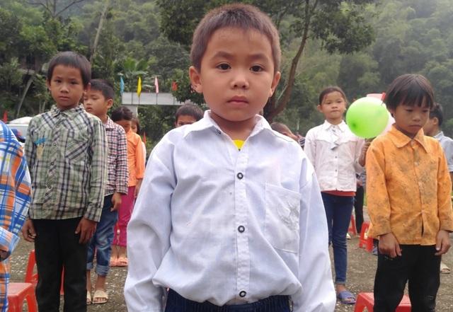Học sinh trường Tiểu học Yên Khương 1 khai giảng năm học mới