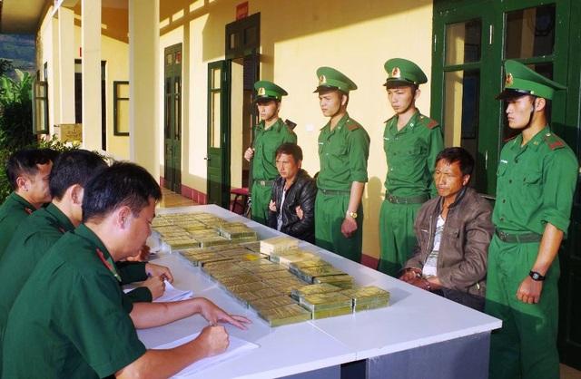 Lực lượng Bộ đội Biên phòng lập biên bản