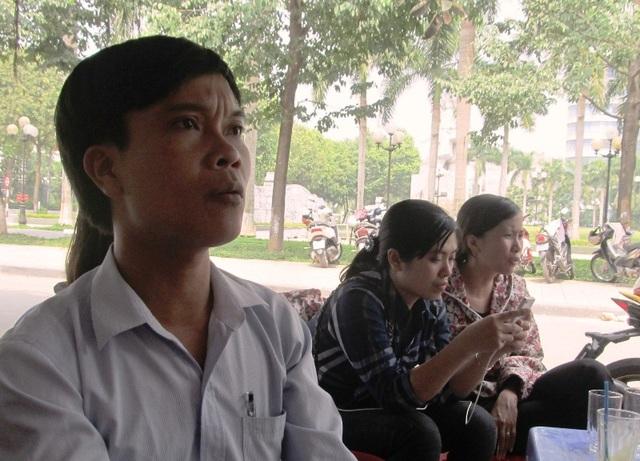 Trong khi đó, hàng trăm giáo viên, nhân viên hợp đồng có đơn kiến nghị, kêu cứu khẩn cấp gửi các ngành chức năng tỉnh Thanh Hóa đề nghị xem xét lại việc bị chấm dứt hợp đồng