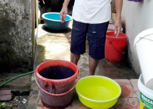 Nước sinh hoạt của người dân bị ô nhiễm