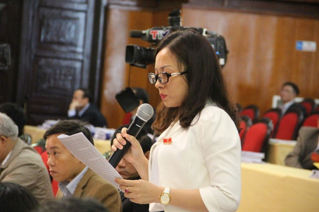 Đại biểu Lê Thị Như Hoa đặt câu hỏi về trách nhiệm người đứng đầu