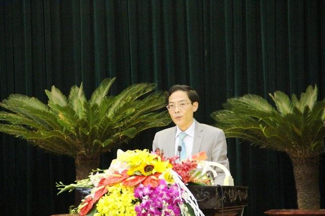 Ông Đầu Thanh Tùng - Giám đốc Sở Nội vụ Thanh Hóa trả lời chất vấn