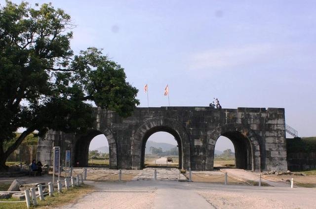 Thành Nhà Hồ - Công trình kiến trúc độc nhất vô nhị ở Việt Nam