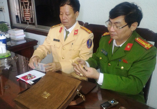 Công an thị xã Bỉm Sơn thông báo tìm lại chủ nhân của số tài sản của người đi đường đánh rơi