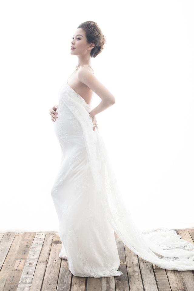 Á hậu Diễm Trang khoe bụng bầu 9 tháng sát ngày lâm bồn - 5