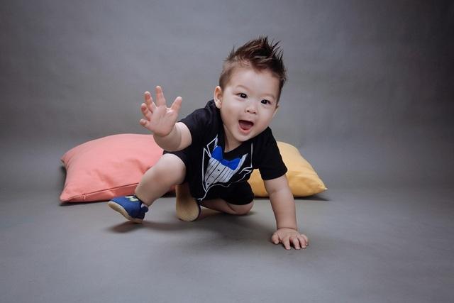 Hiện cậu nhóc ở Cần Thơ cùng bố và gia đình bên nội.