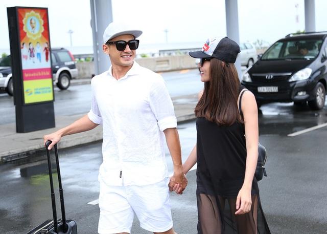 Chiều 20/9, vợ chồng diễn viên Thúy Diễm – Lương Thế Thành có mặt tại sân bay Tân Sơn Nhất để đáp chuyến bay sang Mỹ công tác kết hợp du lịch, nghỉ ngơi.