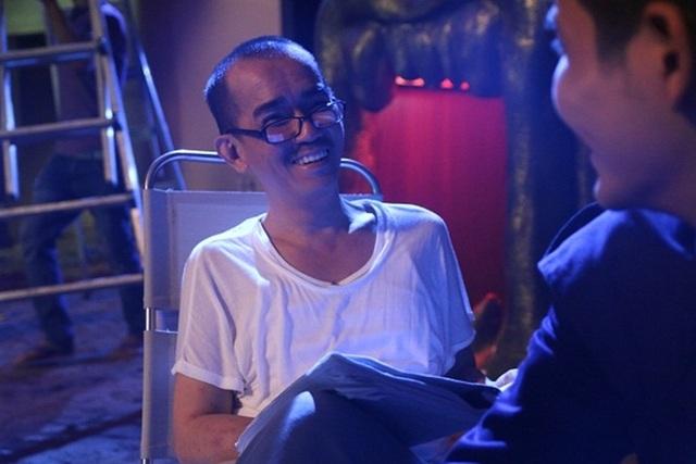 Thời gian đóng phim, sức khỏe của Minh Thuận đã có phần suy yếu nhưng anh vẫn luôn hết mình vì vai diễn.