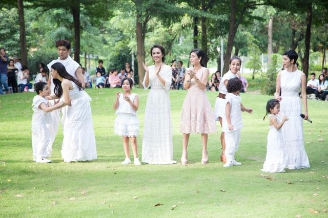 Gia đình nhỏ cũng gặp gỡ nữ người mẫu Xuân Lan, ca sĩ Phan Lê Ái Phương,… Đây như nơi để gia đình nhỏ Tim – Trương Quỳnh Anh thư giãn cũng như tạo điều kiện giao lưu cho cậu trai nhỏ của mình.