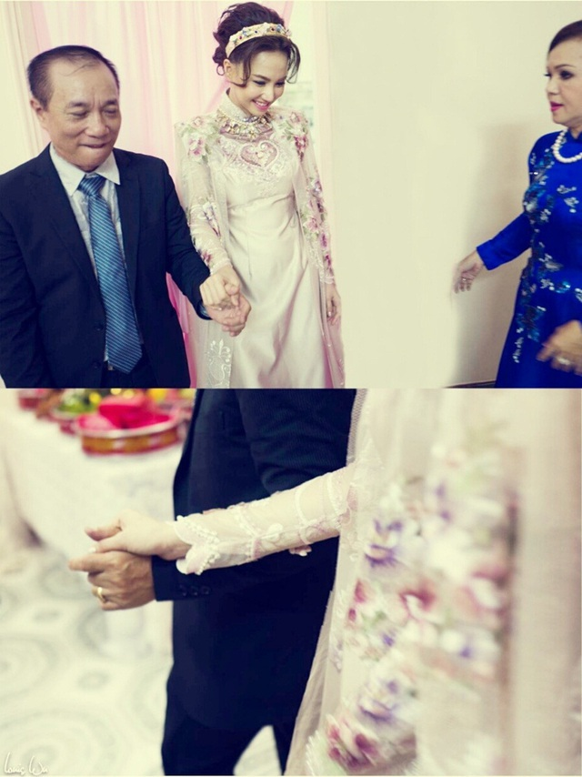 Ngoài ra, thiết kế áo dài cho Ngọc Diệp có cả phần áo choàng bên ngoài sử dụng khi làm lễ.