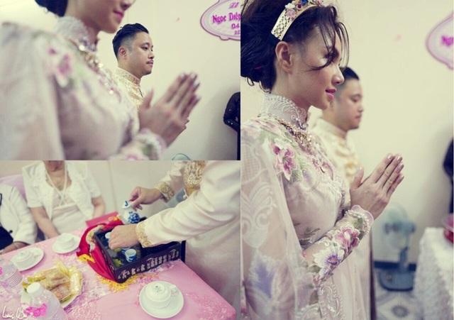 Bên cạnh đó, cả trang phục váy cưới và trọn vẹn các khâu tổ chức lễ cưới của cặp đôi Victor Vũ - Đinh Ngọc Diệp cũng do Anh Thư đảm nhiệm.