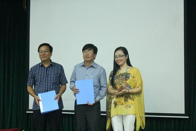 """TS.KTS. Nguyễn Thu Hạnh (ngoài cùng bên phải) tác giả ý tưởng """"Tour du lịch Formosa""""."""