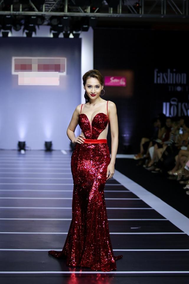 Khánh Ngọc cũng từng đoạt Giải Đồng Siêu mẫu Việt Nam 2013.