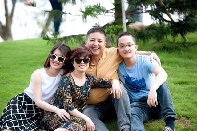 Gia đình nghệ sĩ Chí Trung - Ngọc Huyền luôn tôn trọng sự độc lập và cá tính riêng của các con.