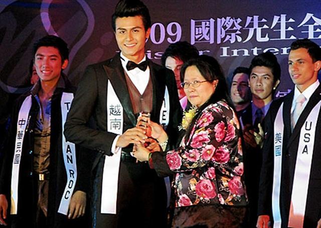 Người mẫu nam nổi tiếng Vĩnh Thụy từng được chọn làm đại diện Việt Nam tại cuộc thi Mr International 2009. Ở cuộc thi này, anh lọt vào top 15 thí sinh đẹp nhất và đoạt luôn giải thưởng đặc biệt Mr. Photogenic (Gương mặt ăn ảnh nhất). Anh sở hữu một ngoại hình đẹp, với chiều cao 1m85, số đo ba vòng 103 - 77 - 99. Trước đó, Vĩnh Thụy từng đoạt giải bạc siêu mẫu Việt Nam 2009.