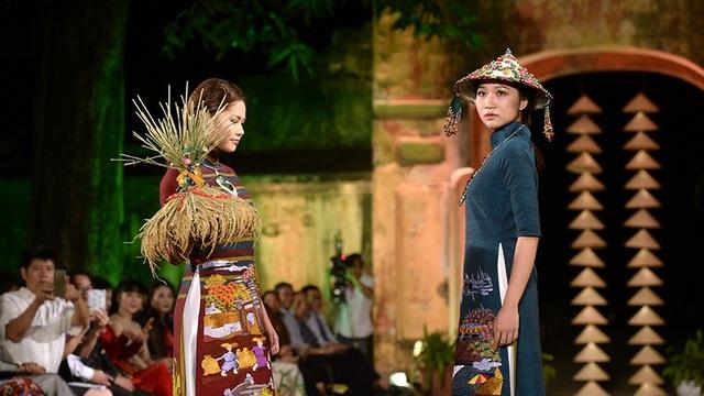 """32 nhà thiết kế """"hé lộ"""" bộ sưu tập tại Festival Áo dài Hà Nội 2016 - 8"""