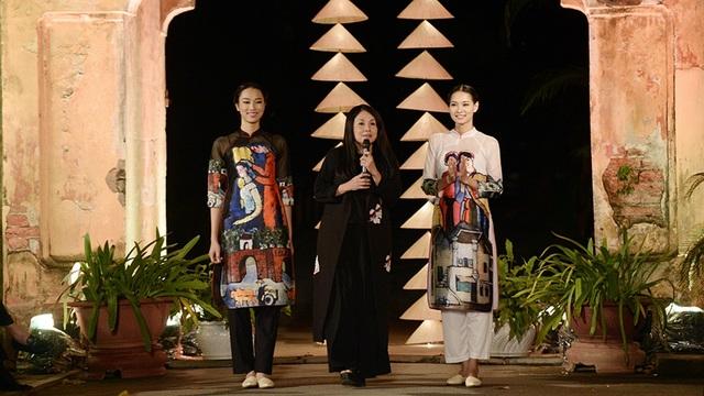 NTK Minh Hạnh giới thiệu 2 mẫu áo dài trong BST sẽ được trình làng sắp tới.
