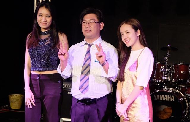 """Hy vọng sắp tới Phương Ly nói riêng và các nghệ sĩ Việt Nam nói chung sẽ tiếp tục tham gia nhiều chương trình quốc tế để mang văn hóa Việt Nam đến với bạn bè các nước"""", Phương Ly chia sẻ."""