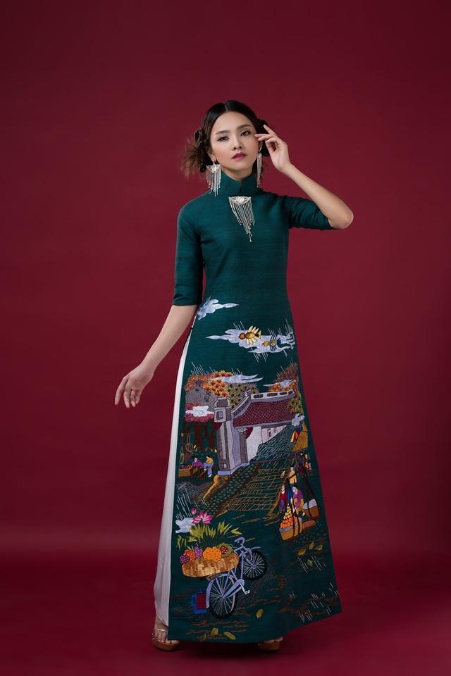 Mỗi tà áo dài, nghệ nhân coi là một tác phẩm nghệ thuật.