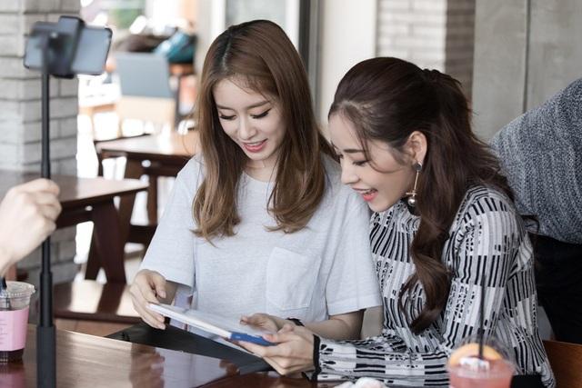 Ji-Yeon là thành viên T-ara mà Chi Pu yêu thích nhất. Vì thế, nữ diễn viên thấy hạnh phúc khi có dịp gặp gỡ cùng nhau.