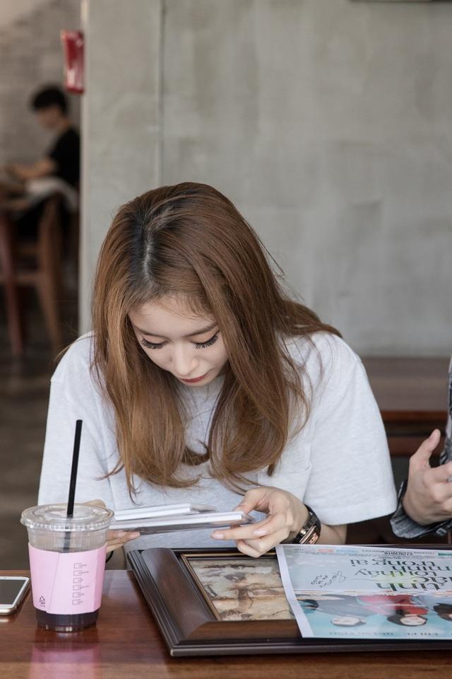 Nữ ca sĩ hi vọng Chi Pu sẽ có nhiều cơ hội tại Hàn Quốc và hứa hẹn trong lần trở lại gần nhất sẽ giới thiệu thêm nhiều người bạn nữa cho Chi Pu.