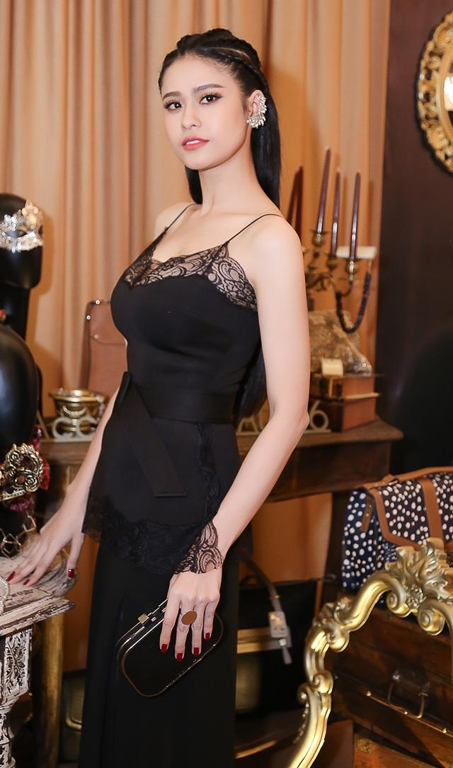 Trương Quỳnh Anh cho biết, hiện tại cô và Tim đã lên kế hoạch tổ chức đám cưới, tuy nhiên vì không muốn bị chú ý quá nhiều nên cặp đôi sẽ tìm không gian riêng tư để tổ chức tiệc cưới.