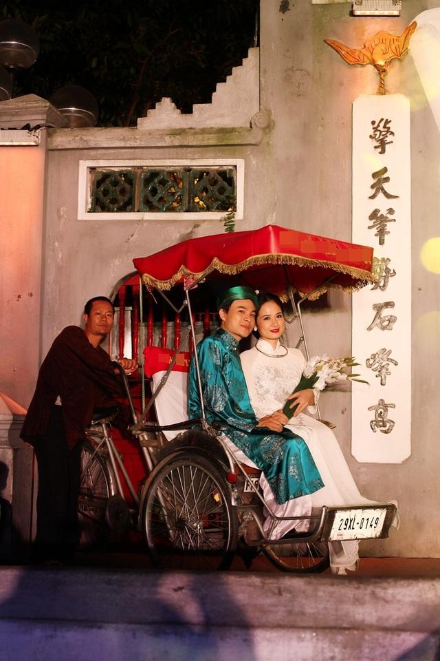Hình ảnh đám cưới xưa được khắc họa.