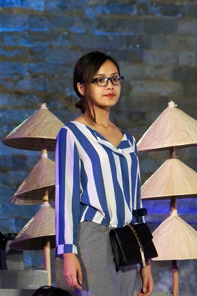 Cô chia sẻ: Đây là lần đầu tiên Tố Như được biểu diễn trong một chương trình đặc biệt như thế này về Hà Nội. Mặc dù sinh sống ở Hà Nội mới được hơn một năm nhưng Như cảm thấy rất tự hào khi được tham gia Festival, cảm thấy thêm yêu Hà Nội và thêm tình cảm với tà áo dài Việt Nam.