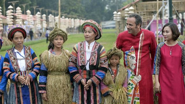 Chính thức khai mạc khu trưng bày Festival Áo dài Hà Nội 2016 - 11