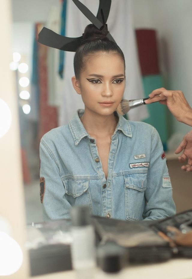 Sau khi đăng quang ngôi vị Quán quân Vietnam's Next Top Model 2016, Ngọc Châu khá bận rộn với những lịch trình làm việc.