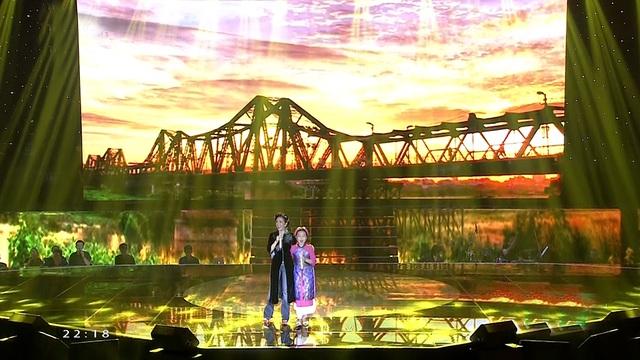 """""""Diva"""" - Hồng Nhung có màn kết hợp với Mai Anh (team Noo Phước Thịnh) ca khúc Ngẫu hứng sông Hồng."""