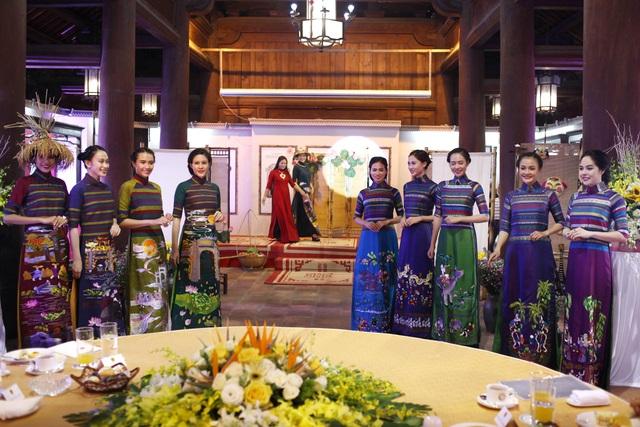 BST áo dài Lan Hương ra mắt phu nhân nguyên thủ các nước tới Hà Nội - 4
