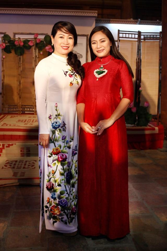 BST áo dài Lan Hương ra mắt phu nhân nguyên thủ các nước tới Hà Nội - 6