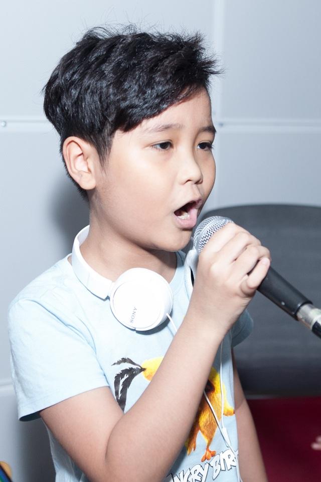 Nhật Minh sẽ là giọng ca mà không dòng nhạc nào có thể làm khó được em.
