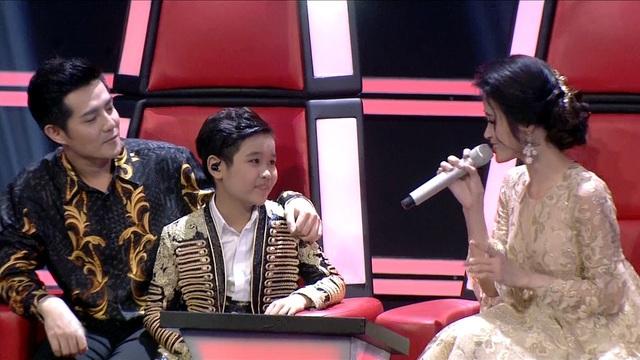 """""""Tài năng chèo nhí"""" Nhật Minh giành ngôi quán quân The Voice Kids - 5"""