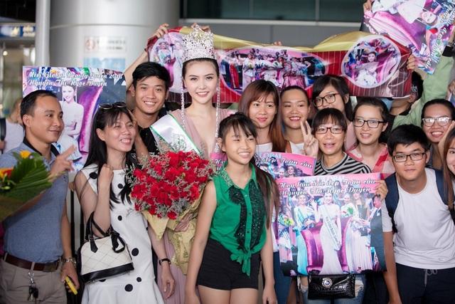 Sau khi đăng quang cuộc thi Miss Global Beauty Queen 2016, Ngọc Duyên được truyền thông Việt Nam quan tâm đặc biệt, chính vì thế khi cô xuất hiện tại sân bay, rất nhiều người đã kịp nhận ra Hoa hậu Ngọc Duyên và chụp ảnh kỉ niệm.
