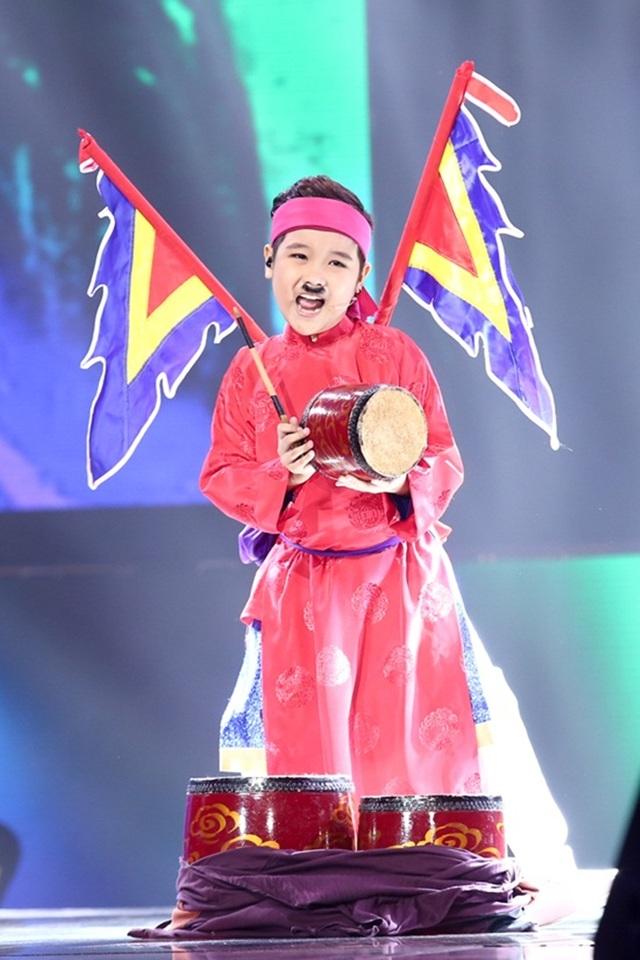 Nhật Minh là giọng ca mà không dòng nhạc nào có thể làm khó được em. Nhật Minh là thành viên của đội Đông Nhi - Ông Cao Thắng. Trong đêm chung kết cậu bé thể hiện trích đoạn chèo Phù thủy sợ ma và ca khúc Thành phố miền quan họ.