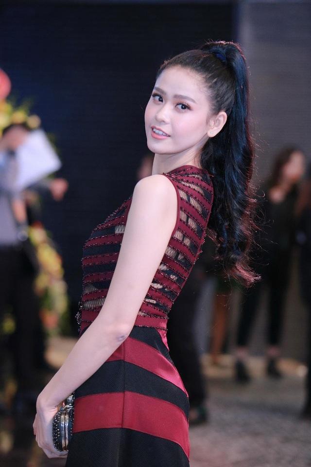 Trương Quỳnh Anh khá chăm chút hình ảnh của mình trong mỗi sự kiện.